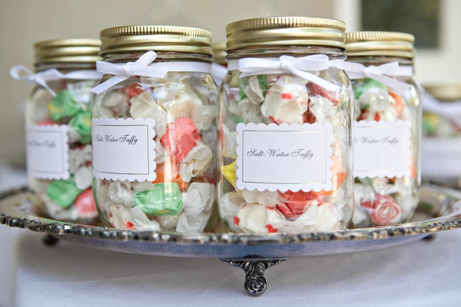 Необычные поздравления на свадьбу: креатив и фантазия Креативный подарок от всех гостей
